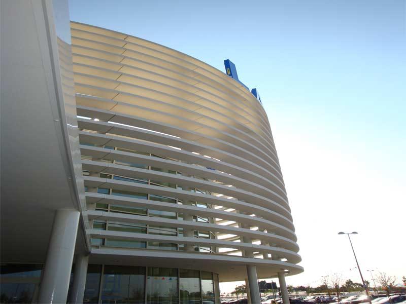Ingresso principale Iperlando - struttura lamellare rivestita con profili in eps Eleni