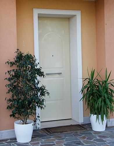 cornici per porte moderne d' ingresso