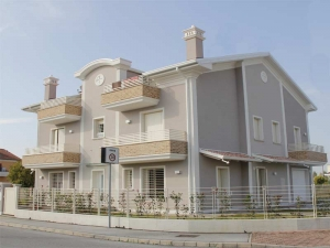Cornici in polistirolo per esterni for Facciate case moderne