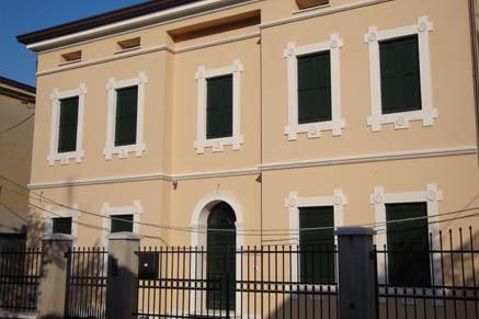 Cornici classiche per facciata