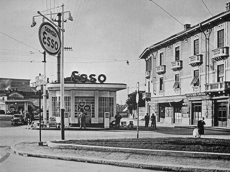 Foto storica di piazza S. Lorenzo Gallarate, del 1954 intitolata