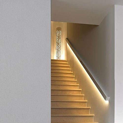 Cornici led per interni velette tagli di luce for Segnapasso led per scale interne