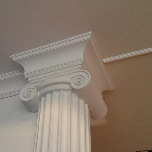 colonne in polistirolo per interno negozio rivestite in gesso