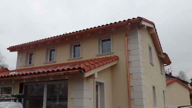 Profili decorativi in polistirolo per facciata casa