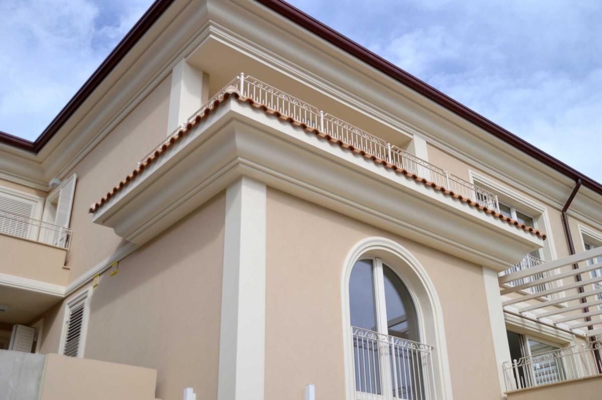 Cornici decorative in polistirolo per facciata